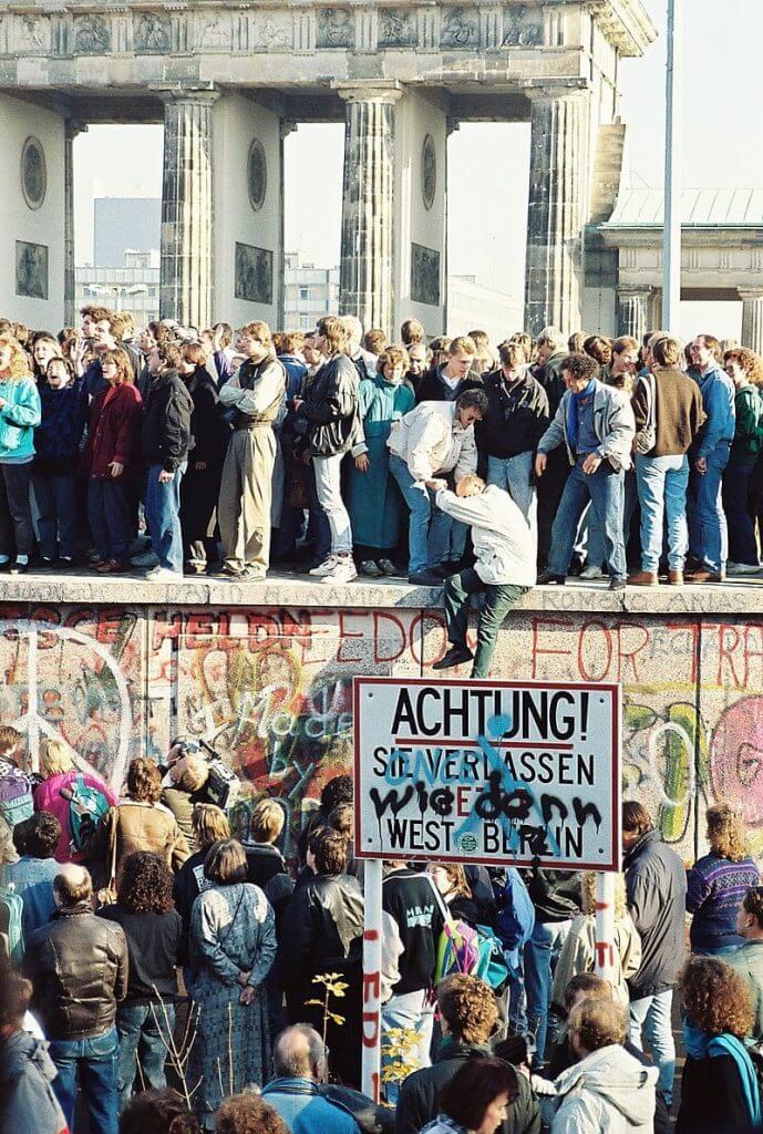 נפילת חומת ברלין, 1989. תמונה: ויקישיתוף [Sue Ream [CC BY 3.0