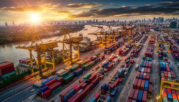 נמל מסחר, באדיבות bigstock