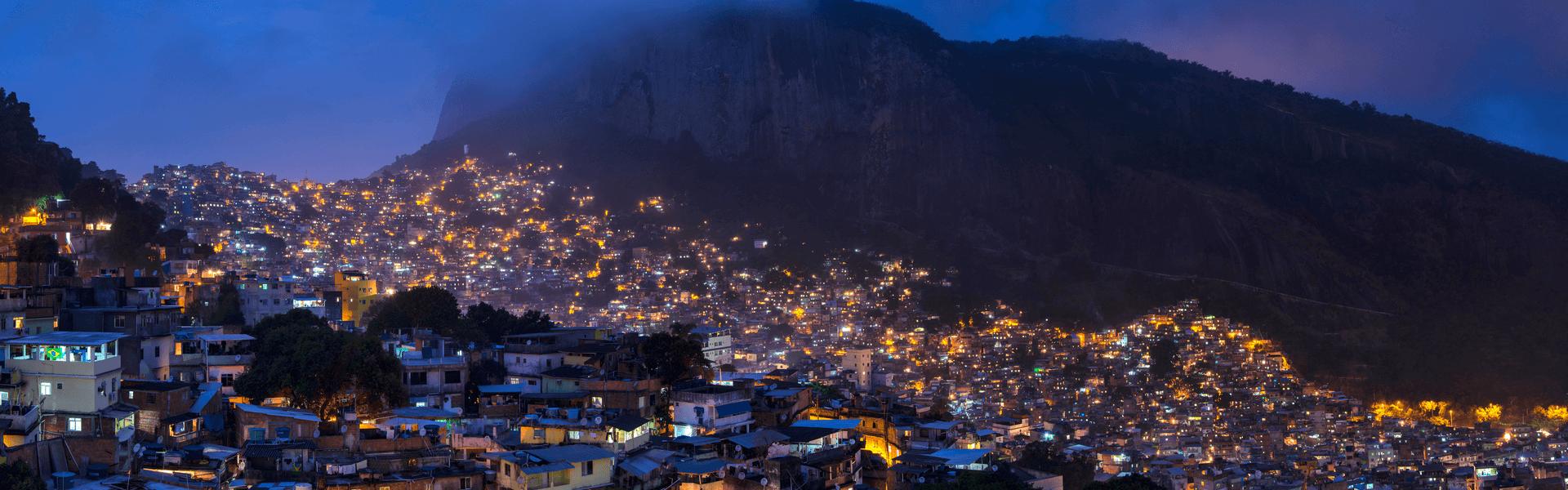 מבט פנורמי על הפאבלות בריו דה ז'ניירו, באדיבות ויקימדיה C3.0