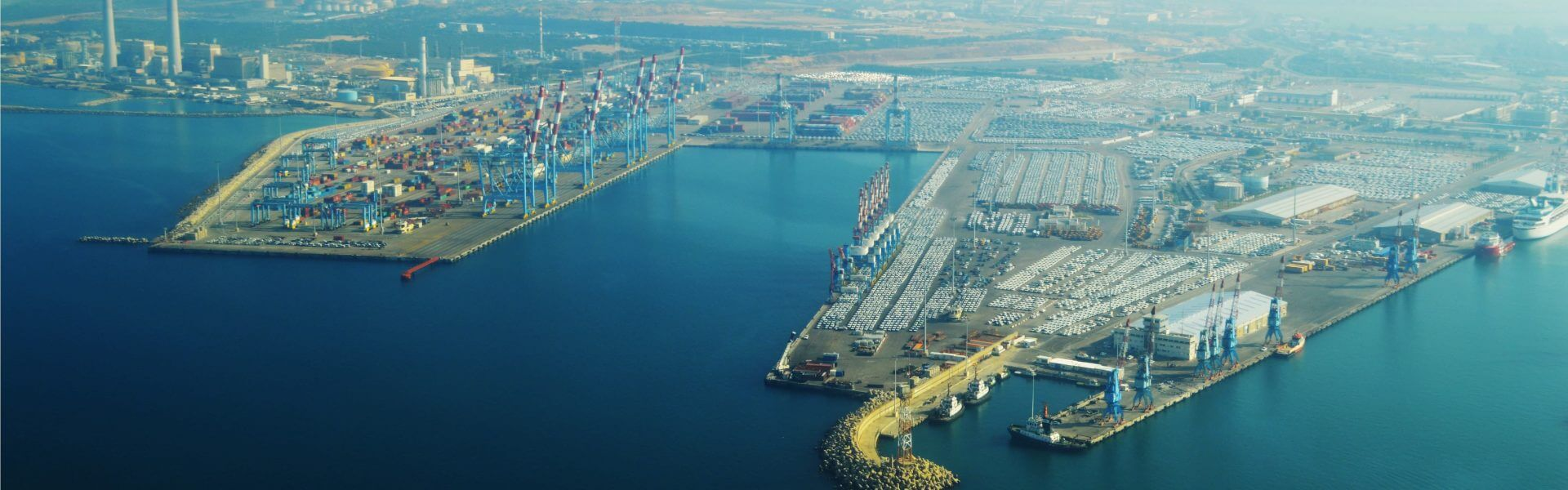 נמל אשדוד, באדיבות ויקימדיה, צילום: עמוס מרון